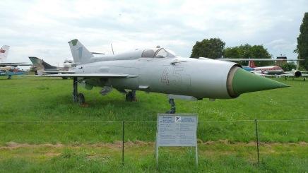 MiG M-21