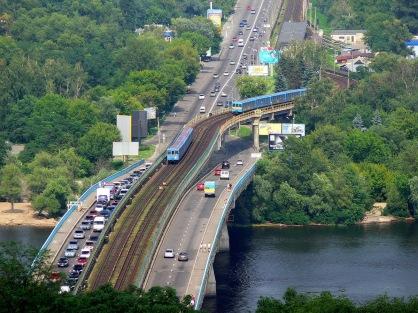 139 - Dnipro - Puente del Metro. Parada en Hidropark