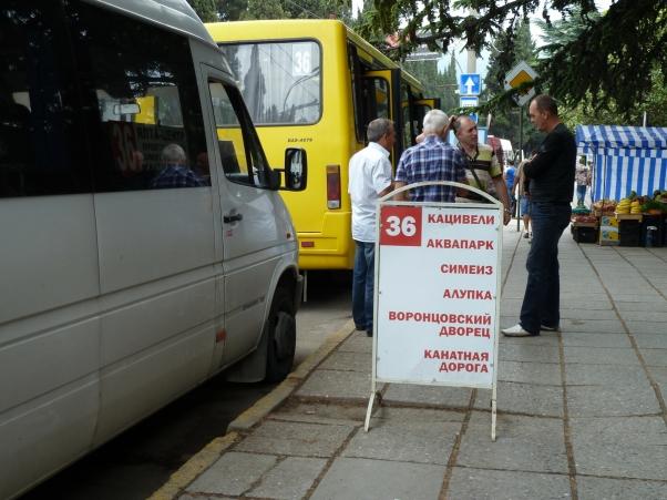YALTA - Parada de marsrutskas a Katsiveli