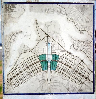 Plano de la ciudad, en forma de avion