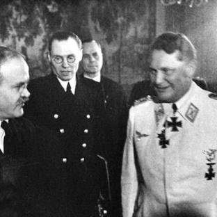Viacheslav Mólotov - Gustav Hilger - Hermann Göring