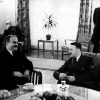 13.11.1940 - Berlin. Cancillería Imperial. Viacheslav Mólotov y Adolf Hitler.