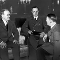 13.11.1940 - Berlin. Cancillería Imperial. Viacheslav Mólotov, Gustav Hilger y Adolf Hitler.Sueddeutsche Zeitung Photo. Copyright: SZ Photo / Scherl.