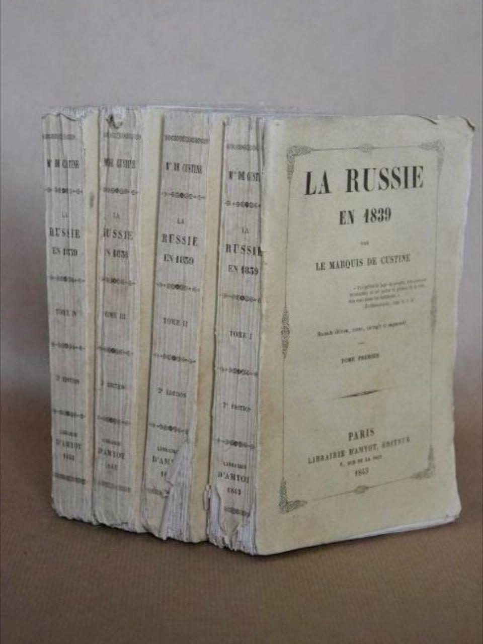 Publicado por primera vez enFrancia en 1843, fue un polémicobestsellerde la época, cuya impronta perdura aún en la imagen de Rusia acuñada en Occidente
